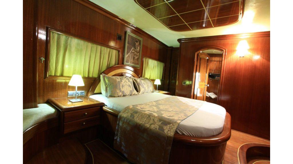 13-Diva Deniz Aft Master Cabin