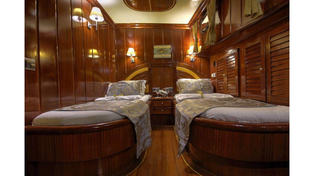 17-Diva Deniz Twin Cabin
