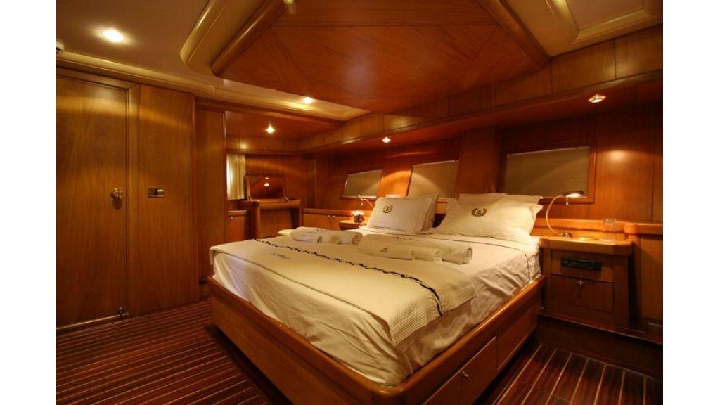 SCHATZ - Aft Master Cabin (3)