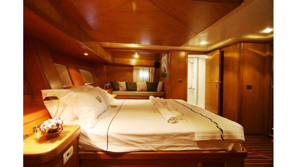 SCHATZ - Aft Master Cabin (5)