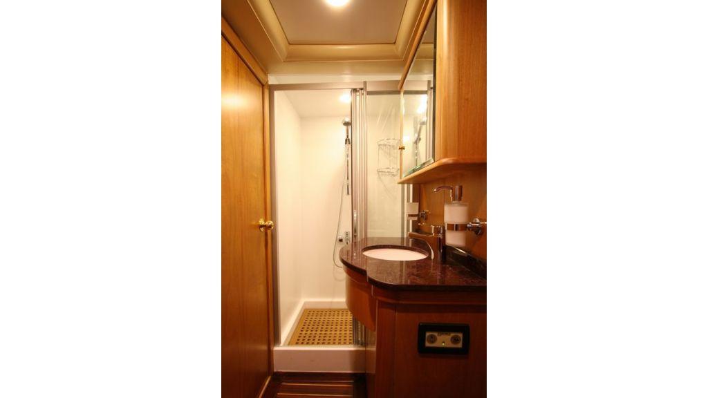 SCHATZ - Bathrooms (1)